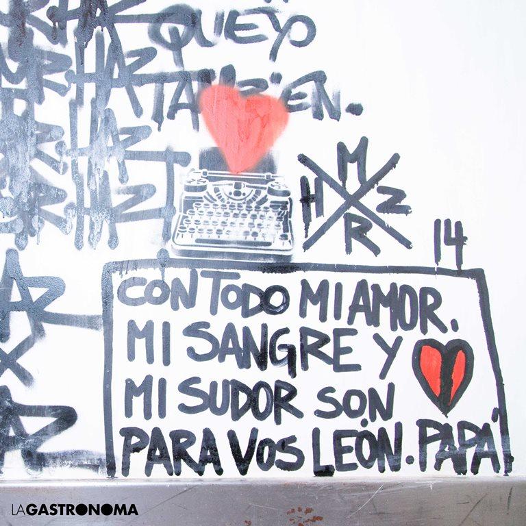 Dedicatoria del mural de Tato a su hijo León ©Manuela Henao // www.manuelahenaocomercial.wordpress.com