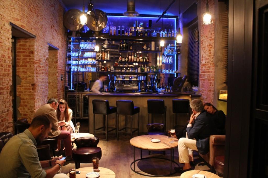 El bar, primer espacio donde comienza la obra maestra de DESTAgE