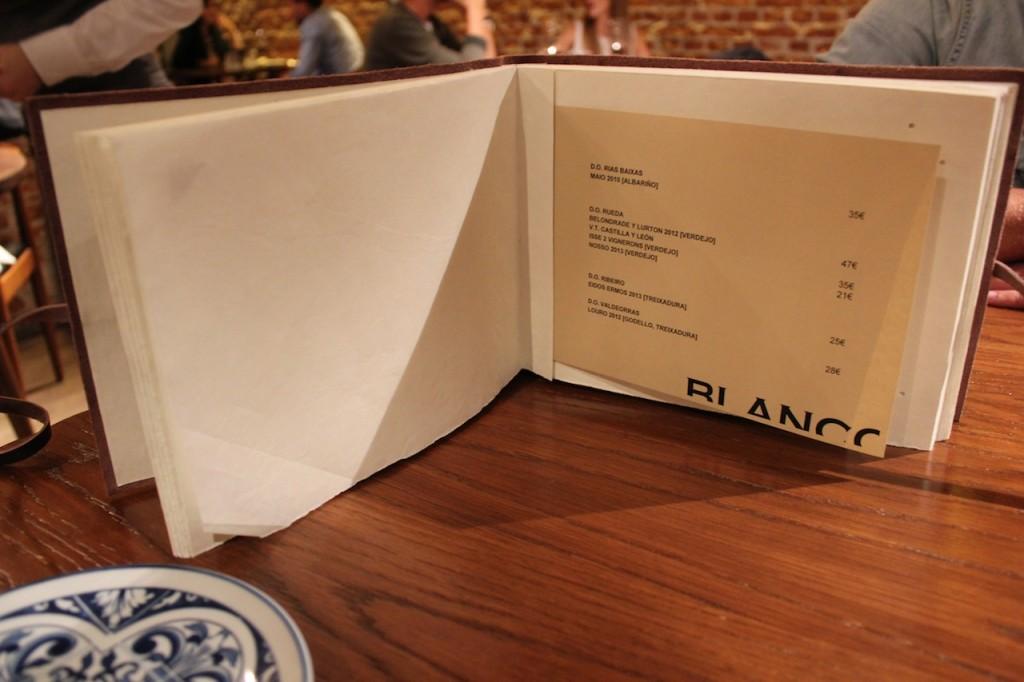 La carta de vinos de DESTAgE es infinita, con propuestas para todos los gustos y bolsillos