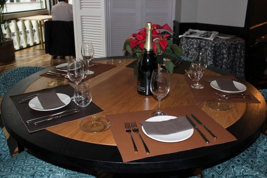 Detalle de mesa. Restaurante FOX