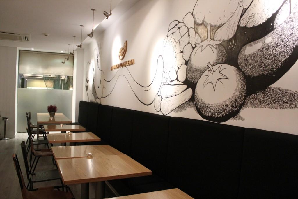 El mural de La Vaca y La Huerta ha sido pintado a rotulador ©LAGASTRONOMA