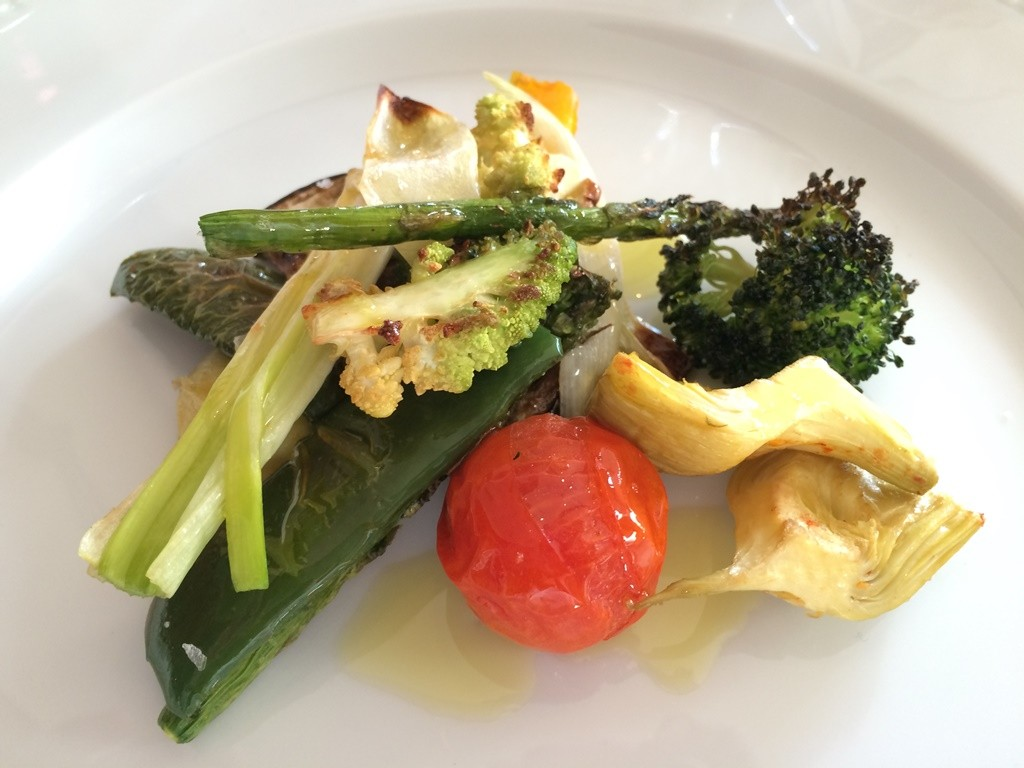 Verduras de temporada de La Lonja, un entrante recomendado. ©LAGASTRONOMA