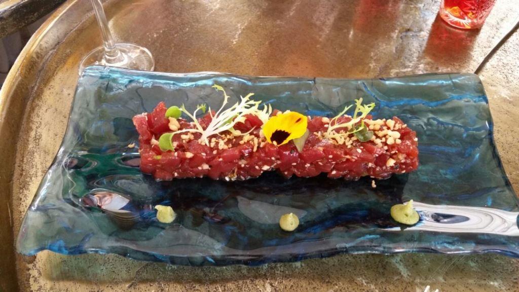 El tarta de atún es de Almadraba en el Raw Bar. ©LAGASTRONOMA