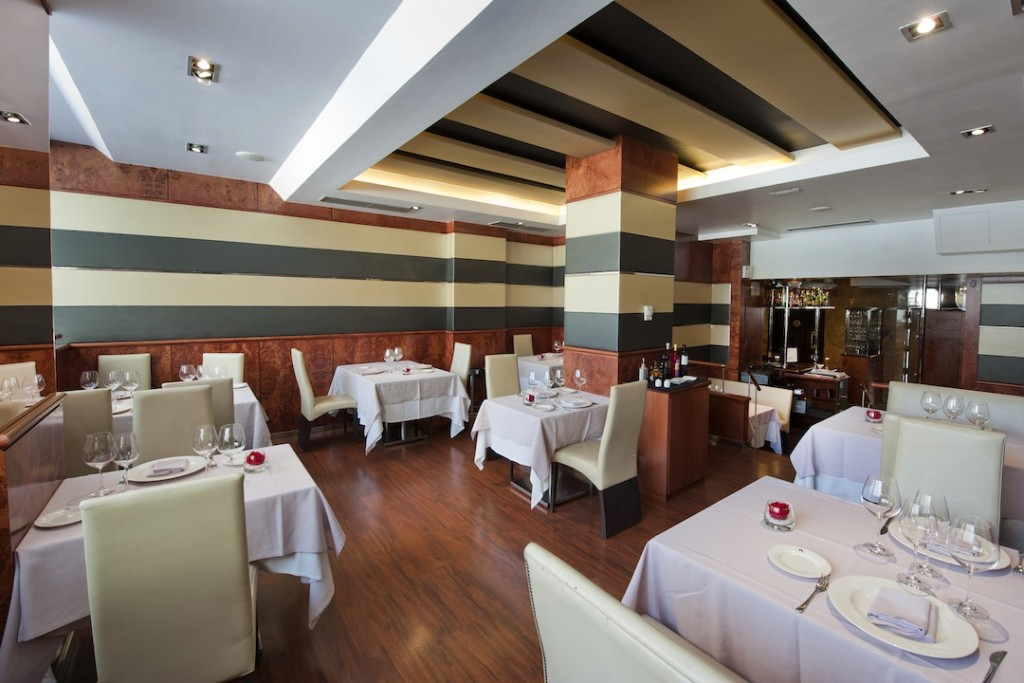 Salón del restaurante Piñera ©LAGASTRONOMA