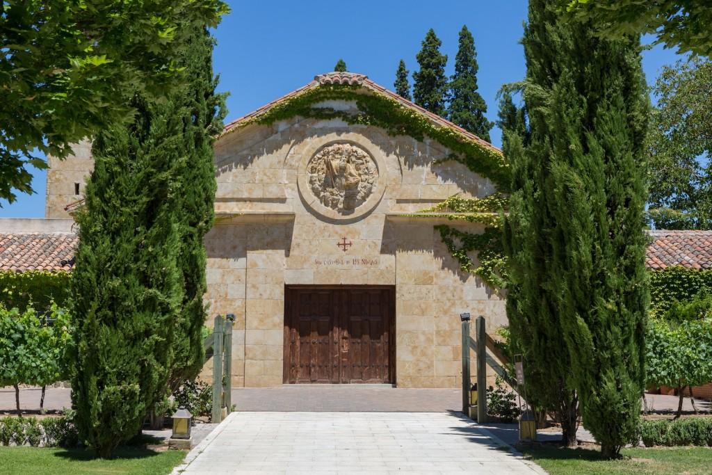 Hacienda Zorita también esconde una impresionante capilla con Pinturas Antiguas