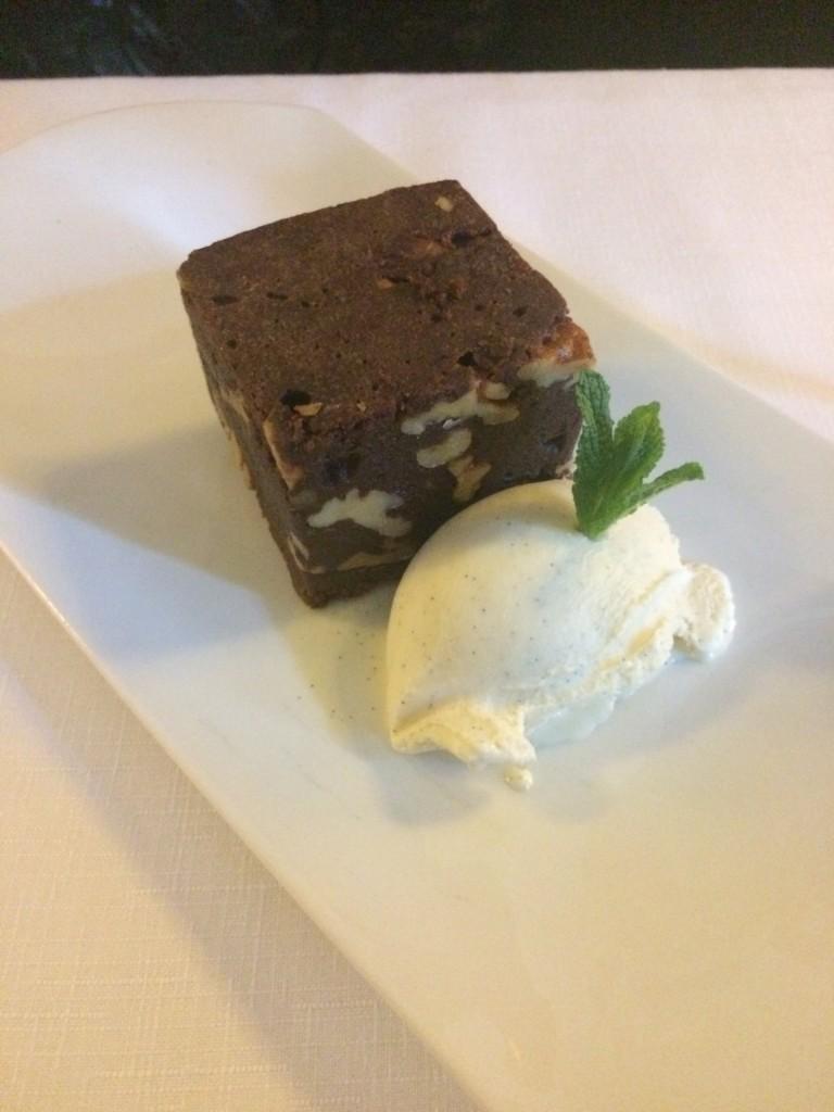 Brownie con helado. Hotel Santo Mauro