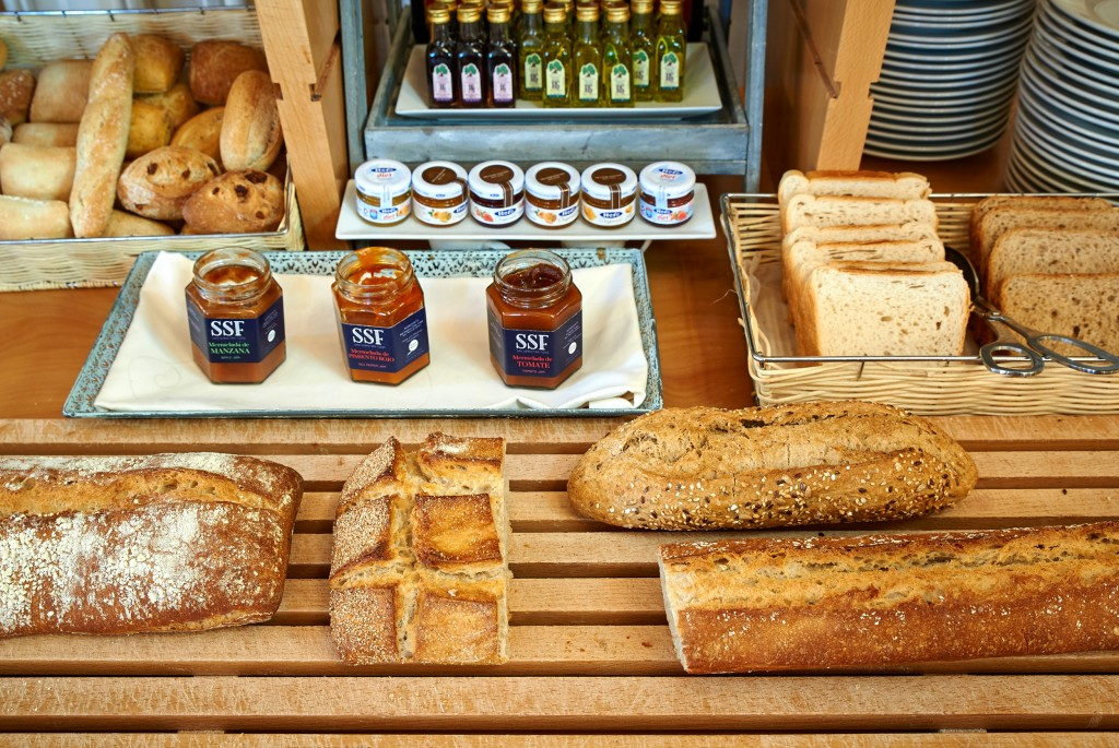 El pan del desayuno del hotel María Cristina se elabora cada mañana en su horno