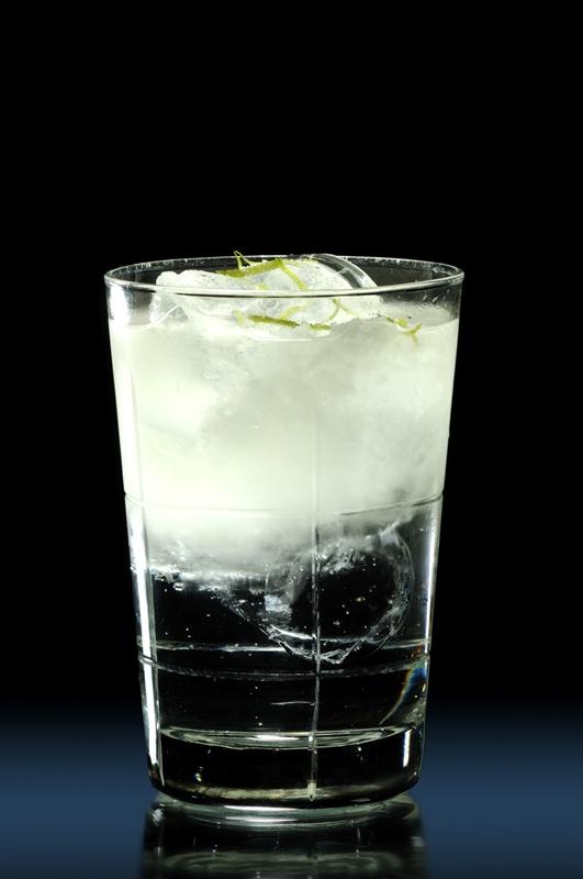 El Foxtrot, un gin tonic invertido concebido por Javier de las Muelas y que se puede degustar en el hotel María Cristina