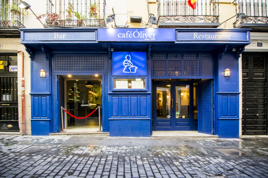 El Café Oliver se ubica ahora en la calle Ventura de la Vega, en el Barrio de las Letras