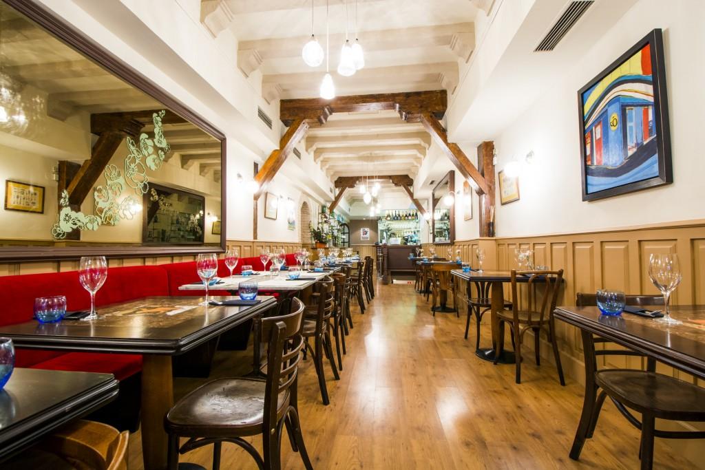 El reto de Karim, propietario de Café Óliver, era decorar un local con la misma magia que su antecesor