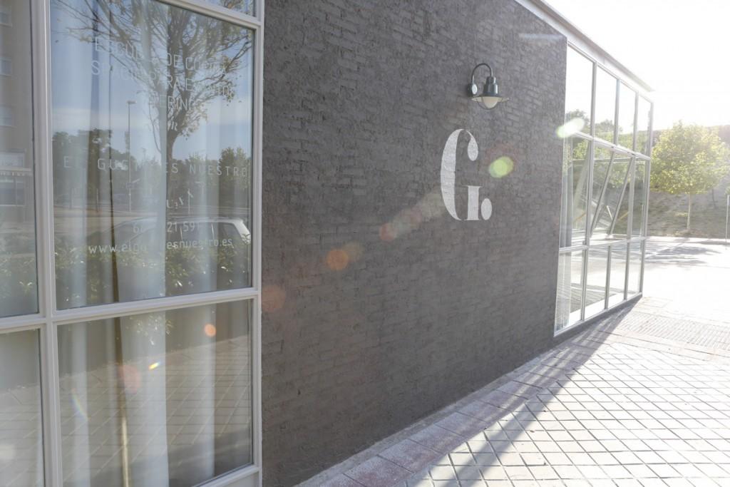 El espacio que integra la escuela de cocina EL GUSTO ES NUESTRO está en un local luminoso y acogedor de Las Tablas