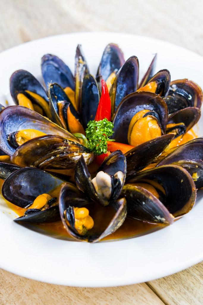 Los mejillones al curry picante son una propuesta alternativa a los clásicos, otro de los nuevos platos de Café Óliver