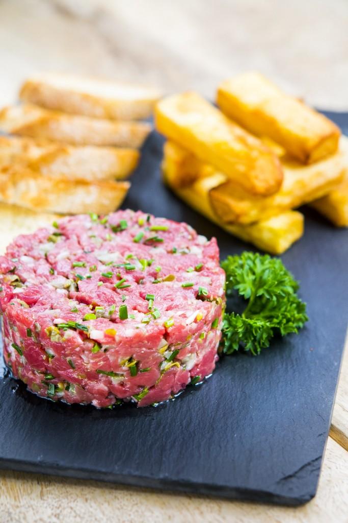 Otro de los platos estrella de Café Óliver es su steak tartar