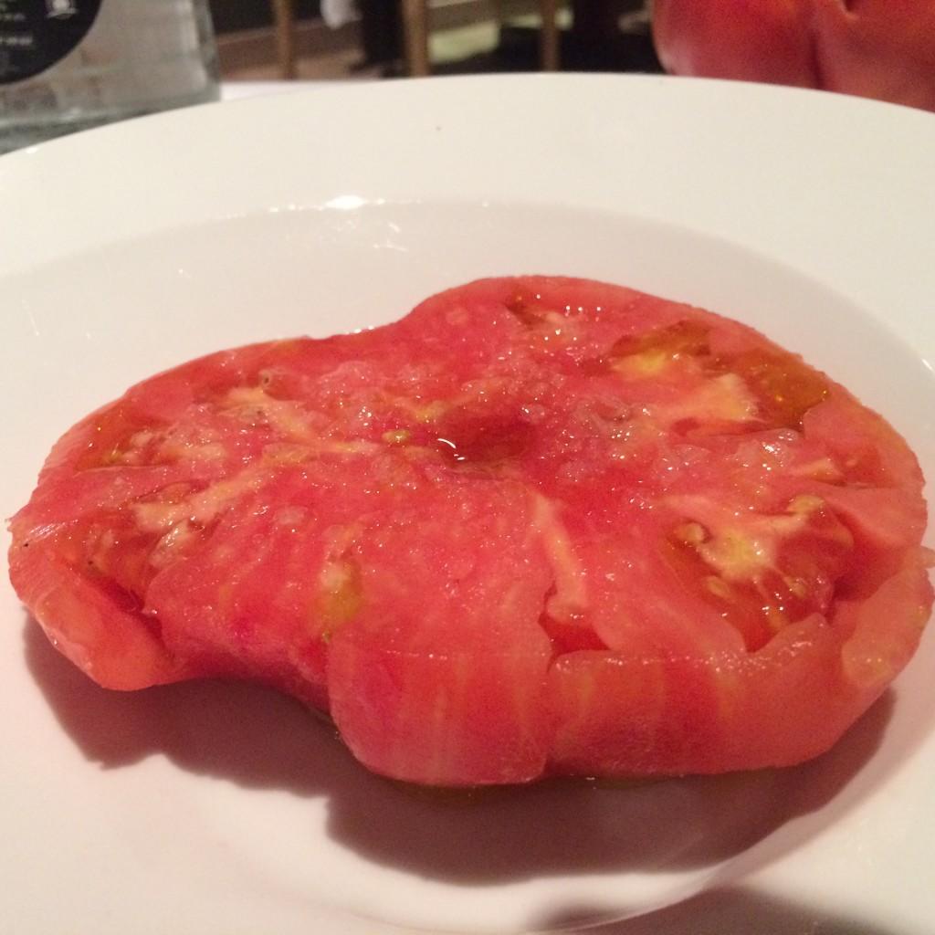 El tomate rosa de Floren, una especialidad de su huerta de Tudela