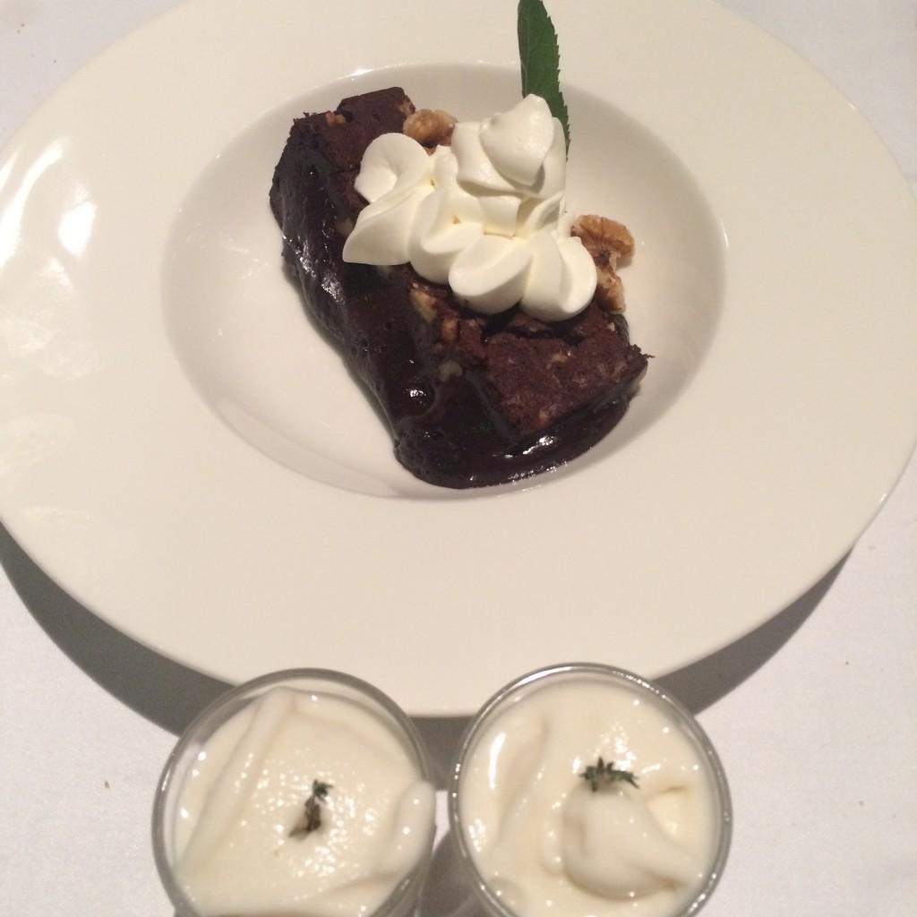 SI hay aún cabida, el brownie o sorbete son buenas elecciones como postre. Restaurante Floren Domezain