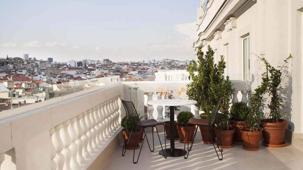 5Dear-hotel-madrid-room-terrace-view-2