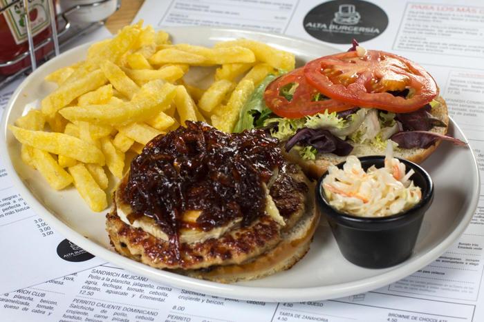"La hamburguesa ""Alta Burguesía"" es la más recomendable de la hamburguesería del mismo nombre"