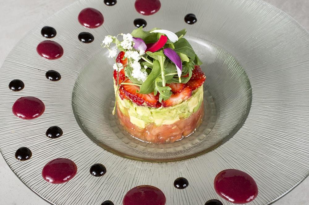 La ensalada Rojo Pasión de Soho Bar mezcla sobres dulces y salados