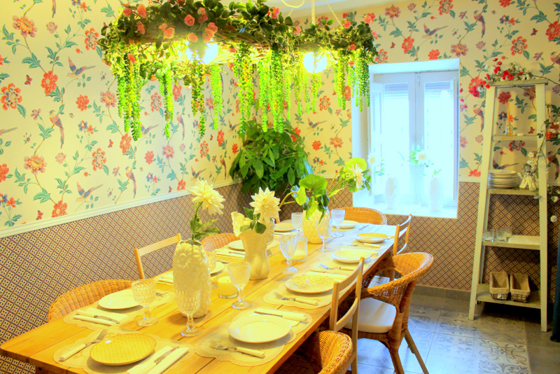 El Salón de las Flores de El Sueño de Alicia está decorado con mucho mimo y cariño ©LAGASTRONOMA