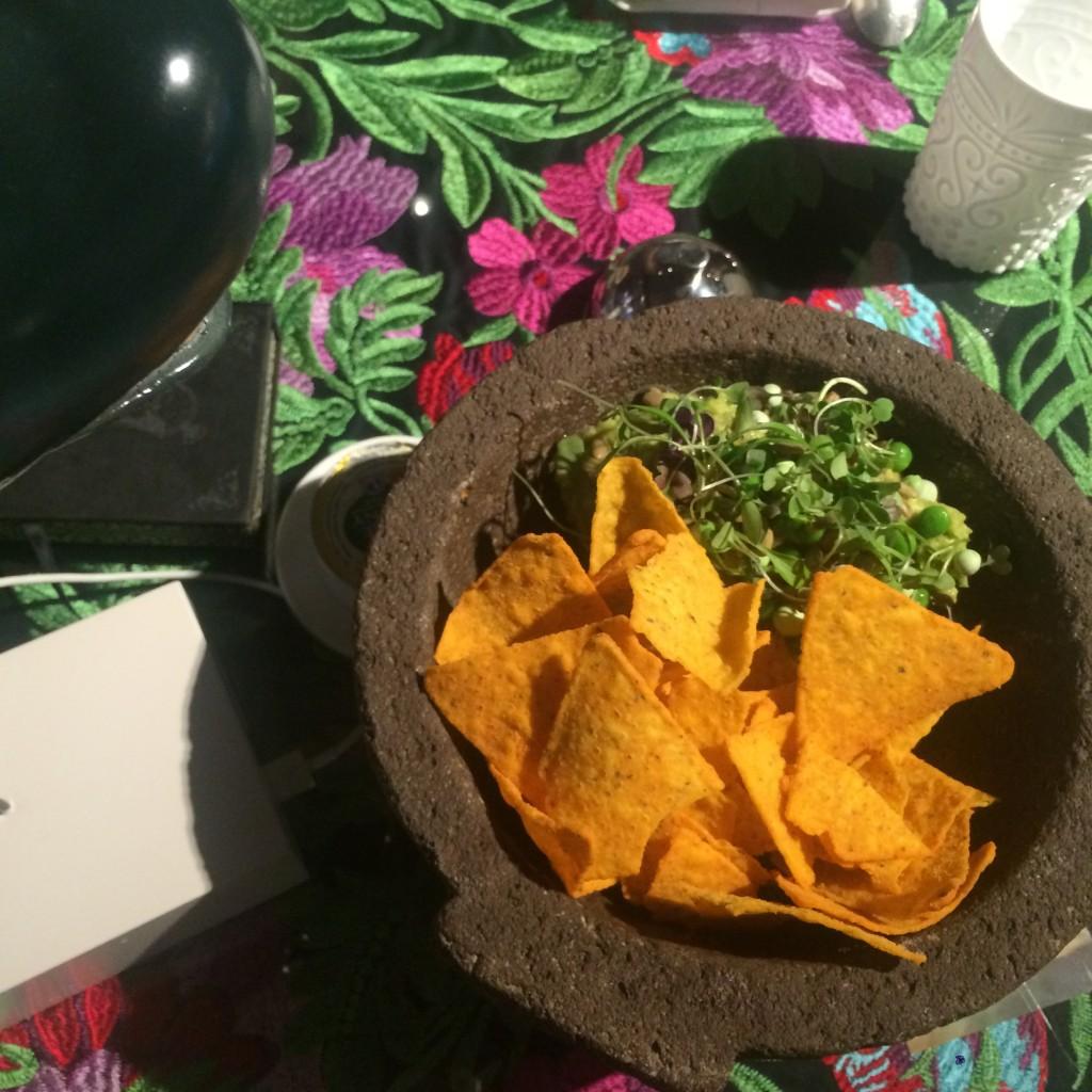 Delicioso y abundante. Así es el guacamole de BiBo (Puente Romano)