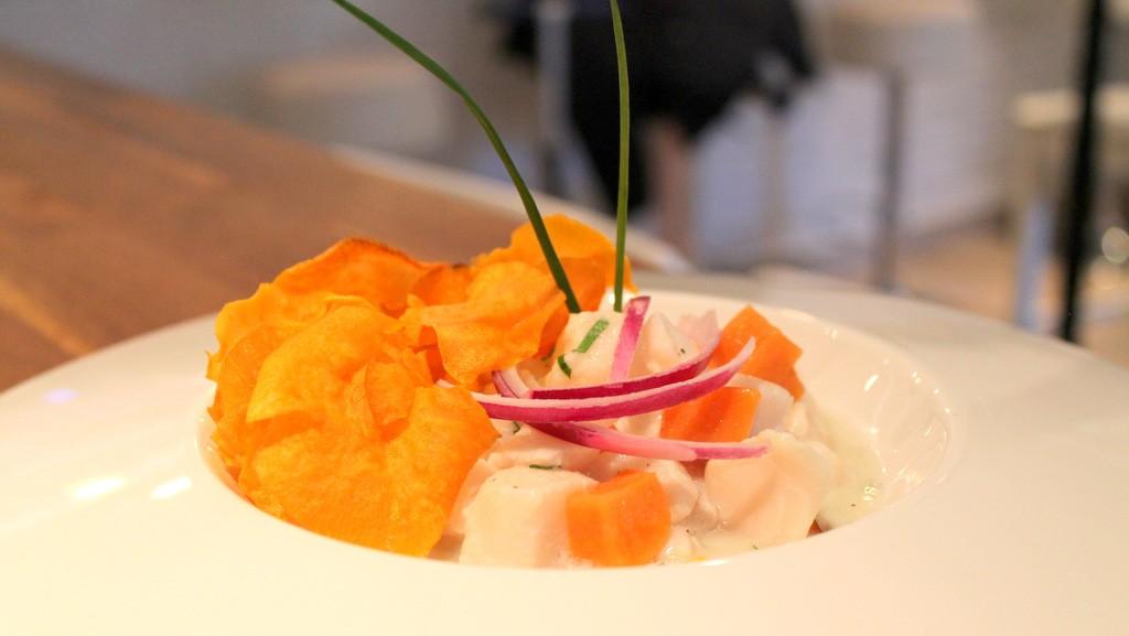 Ceviche de pez mantequilla, el genuino estilo peruano en un plato ©LAGASTRONOMA