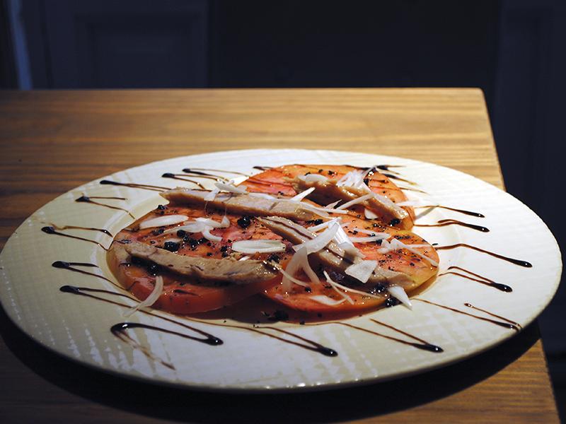 Tomate feo con Ventresca. Restaurante Tomé & Lucas
