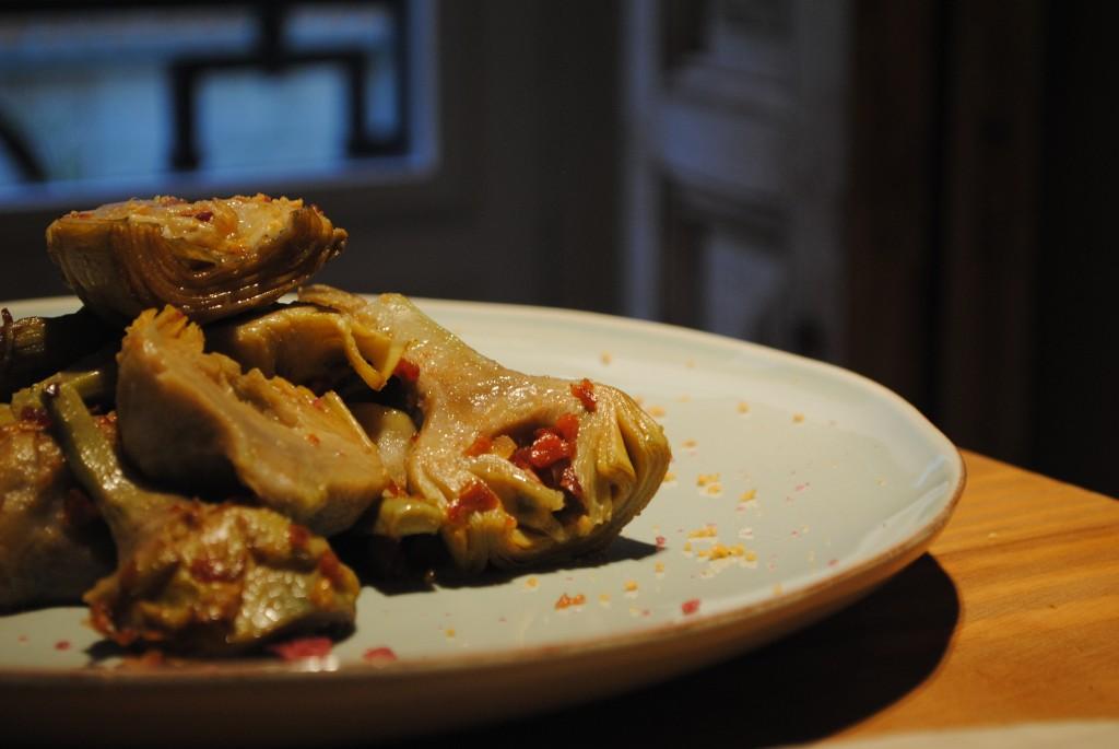Alcachofas salteadas con ibérico. Restaurante Tomé & Lucas