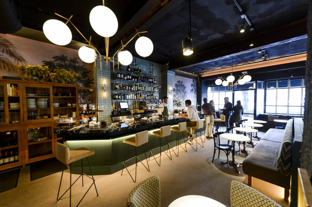 "Interior de Gonzalín, bar ""a secas"""