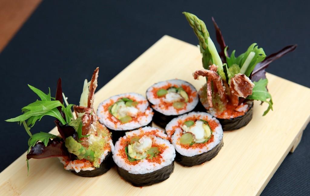 Uramaki de cangrejo tierno. Restaurante Enso Sushi