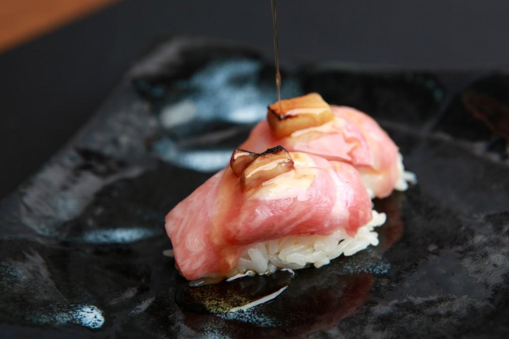 Nigiri Enso con foie y reducción de Pedro Ximénez. Resturante Enso Sushi