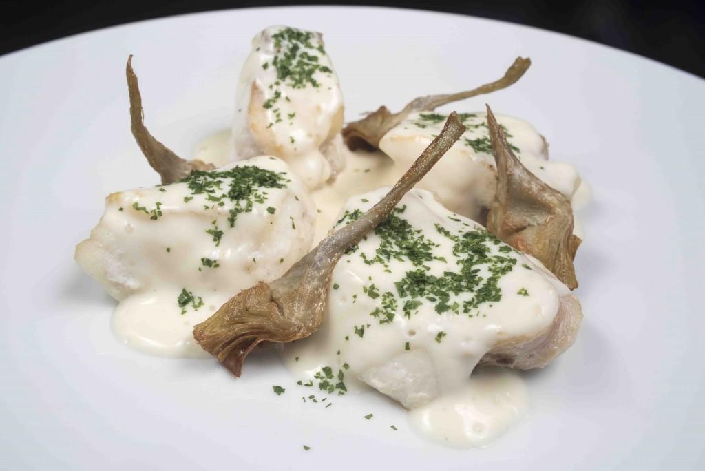 Popietas de lenguado, alcachofas y topinambur a la meunière de lima. Restaurante Círculo Mercantil