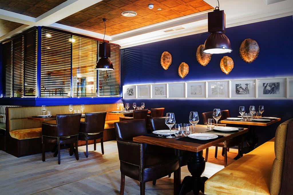 Restaurante Pelicano Madrid_mesas dcha entrada
