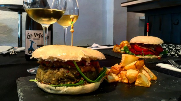 Hamburguesa con espinacas de Distrito Vegano