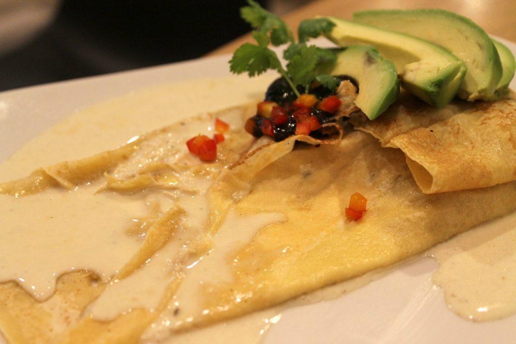 Crepe de pollo trufa mexicana. Crepes&Waffles