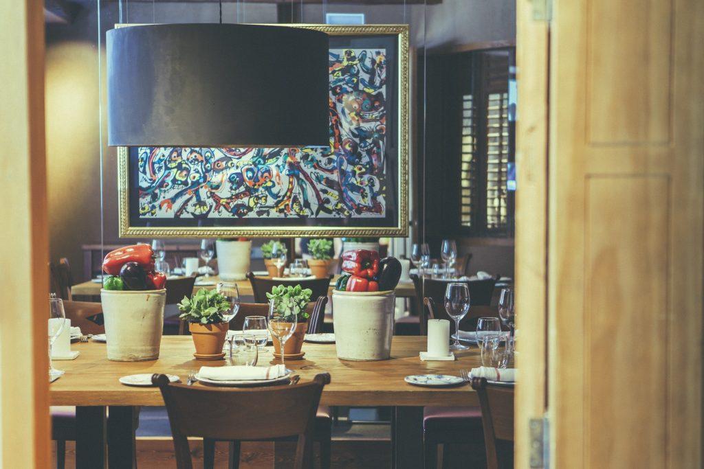 CASA MANDO dispone de varios reservados dentro del restaurante