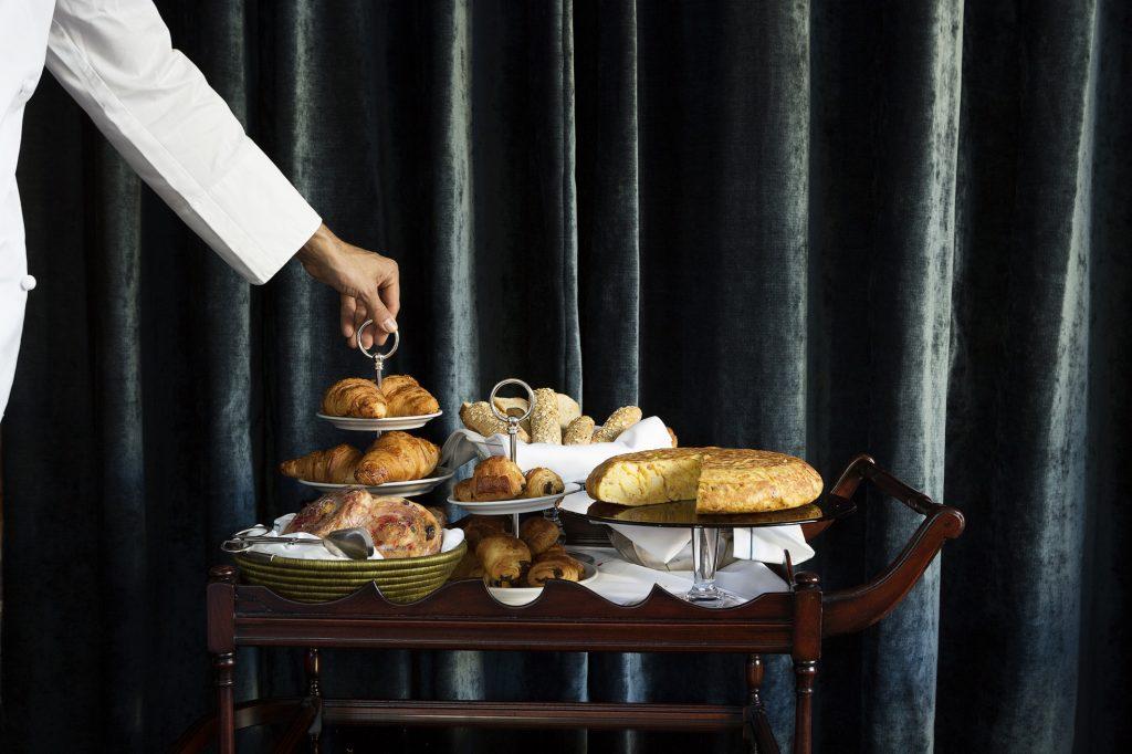 En NARCISO, se propone una rica carta de desayunos, desde el Clásico al Continental y Especial, con tortilla de patatas