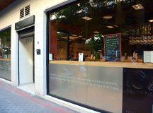 Fachada de Luz de Luna, el nuevo restaurante fusión del barrio de Salamanca
